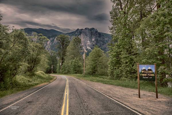 welcome-to-twin-peaks-town-sign-snoqualmie-don-detrick-1